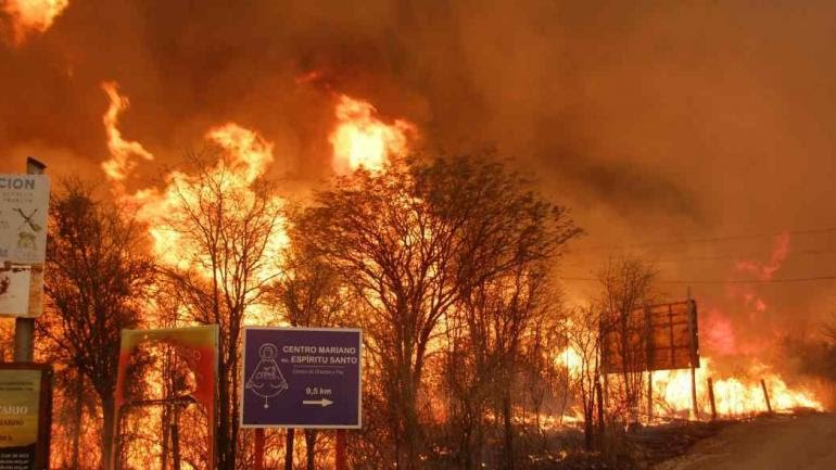 Fuego descontrolado en el norte provincial. (Ariel Luna)